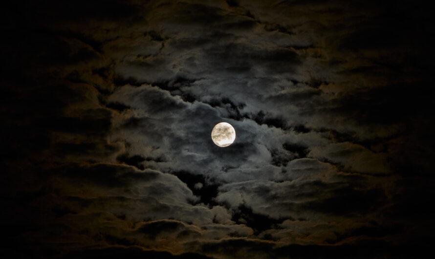 Wenn die Wolken mit dem Mond spielen